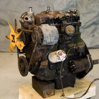 Se compra un motor viejo y consigue hacer un milagro!