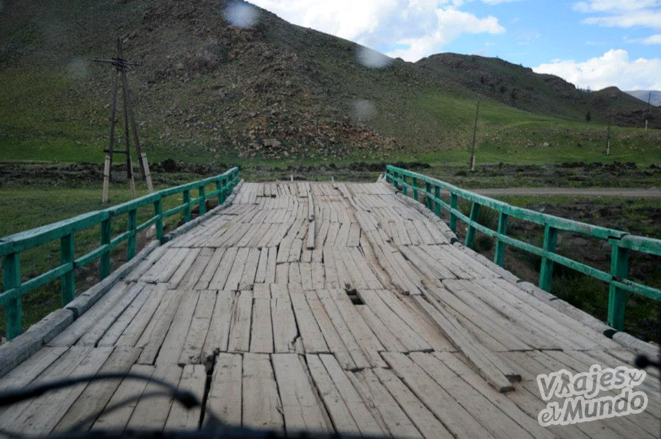 puente lago blanco mongolia