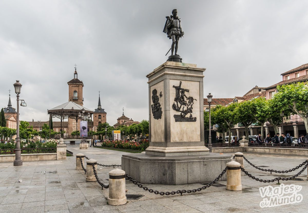 Resultado de imagen de Monumento a Cervantes  Alcalá de Henares